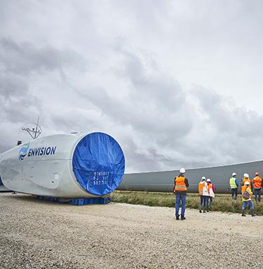 Visite d'une chantier éolien avec des élus